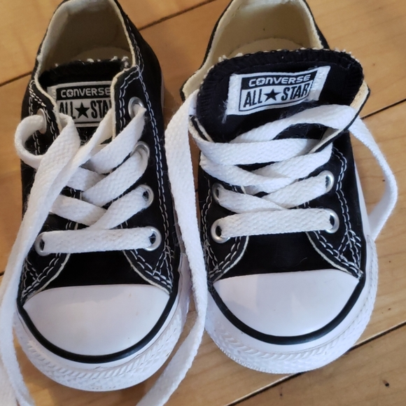 Infant/Toddler Converse Sneakers size 5
